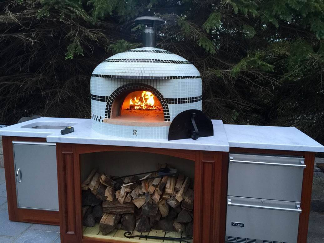 How does pizza oven work?